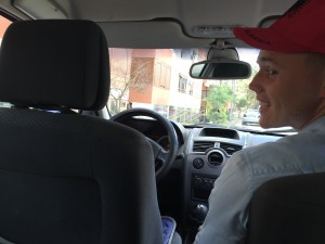 Автостоп в Албании. Нас оставили в машине в Албании без присмотра